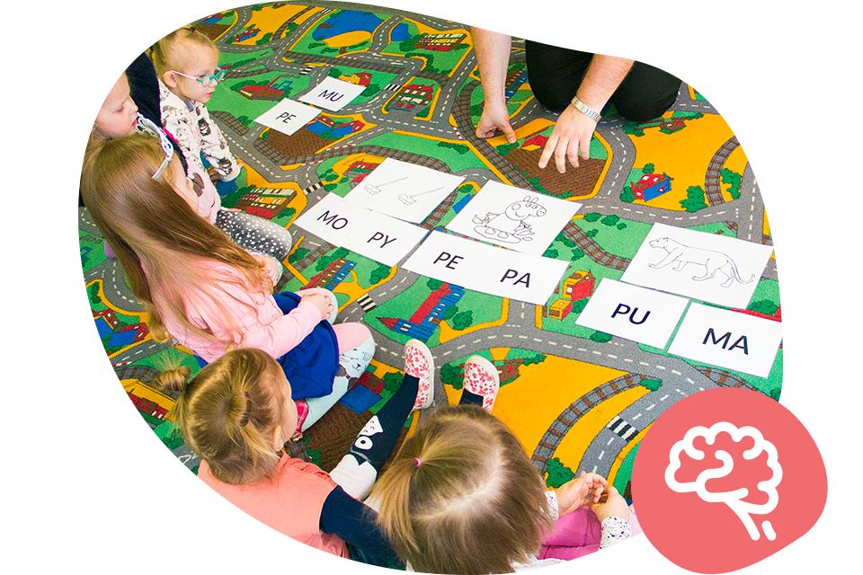 wczesna-nauka-czytania-metoda-symultaniczno-sekwencyjna_neuron-slaskie-centrum-rozwoju-dziecka-bombel-dzieci-12