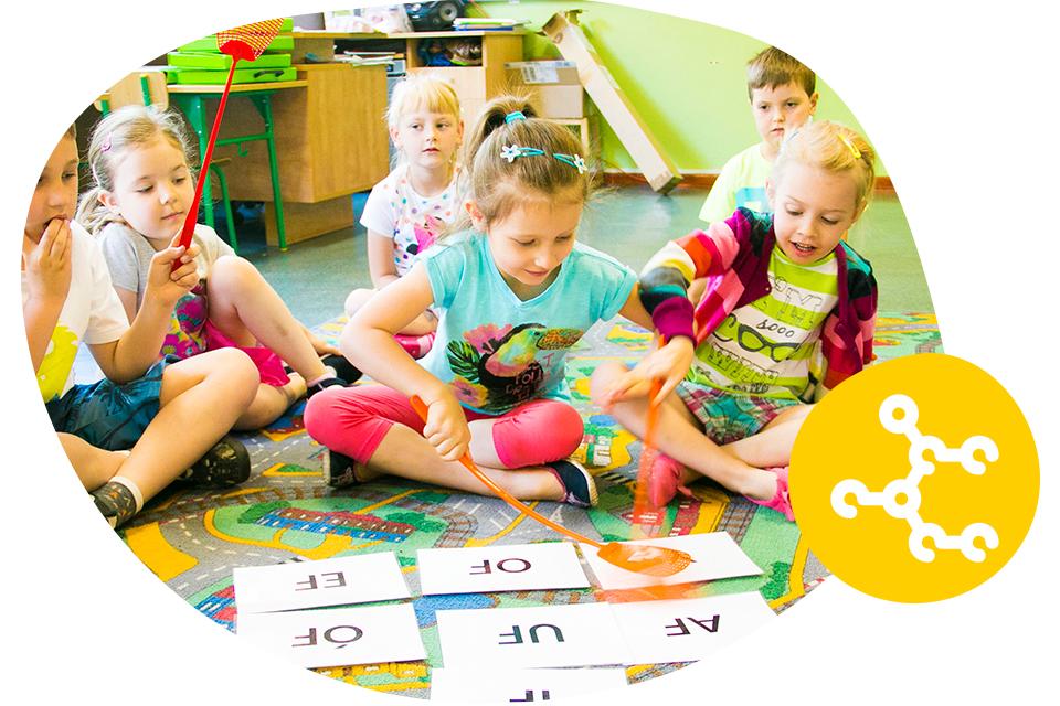 wczesna-nauka-czytania-metoda-symultaniczno-sekwencyjna_neuron-slaskie-centrum-rozwoju-dziecka-bombel-dzieci-1